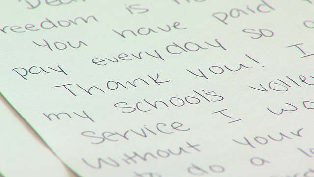 High school students honor WWII veterans with special \u0027mail call