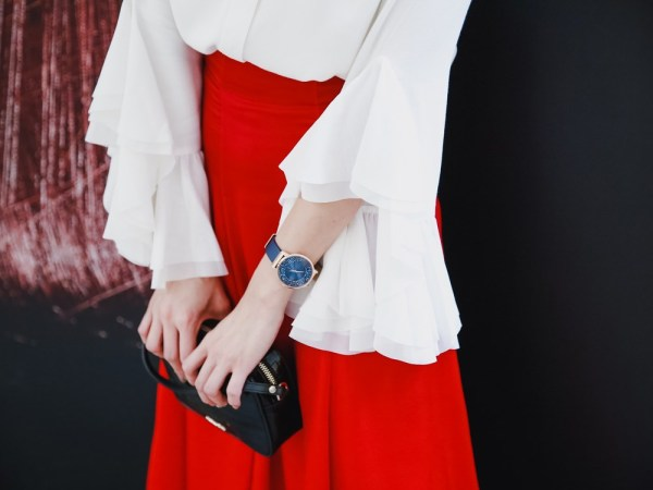 <飾品>手腕上的靛藍星空。來自瑞士的時尚ELIXA腕錶。