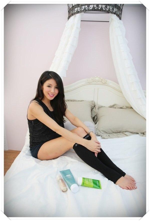 <孕>孕期好物分享。塑腿襪,U型枕,托腹帶。