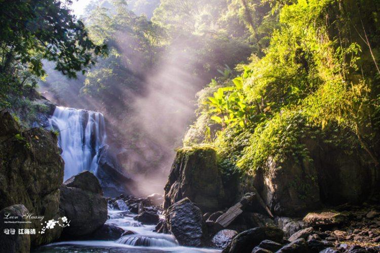 新北景點推薦》烏來內洞森林遊樂區 – 瀑布晨曦 陰離子含量高