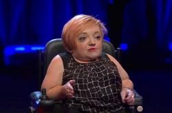 """障害者は「感動ポルノ」として健常者に消費される–難病を患うコメディアンが語った、""""本当の障害""""とは"""
