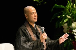 生死の境で見たのは感謝の世界–千日回峰行を終えた住職が日本人に伝えたいこと