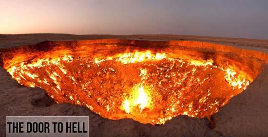 地獄の門と呼ばれるトルクメニス...