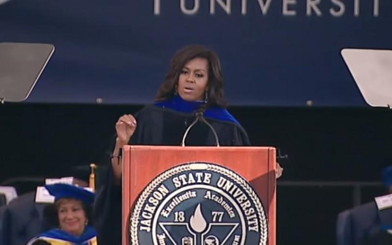 """「未来に名を残すことは、過去に敬意を表すること」ミシェル・オバマ大統領夫人が若者に求めた""""優秀さ"""""""