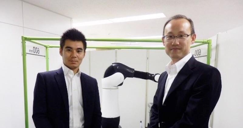 """「ロボットと呼ばれなくなる日を目指す」従来のタイプに属さない""""肘がない""""ロボットアーム誕生秘話"""