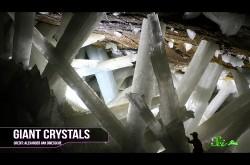 美しくも過酷な自然の神秘 人間を寄せつけない「クリスタルの洞窟」の秘密