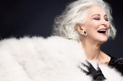 """「情熱を注げるものに向かう勇気を持てて幸せ」85歳現役スーパーモデルの""""人生の愛し方"""""""