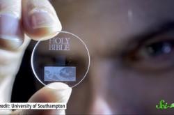 ホログラムやDNAにデータを保存する未来がやってくる?