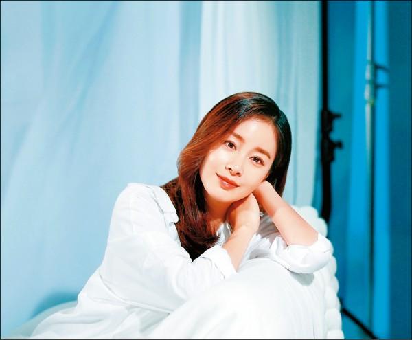 金泰希孕肚首曝光 懷胎7月水噹噹 - 自由娛樂
