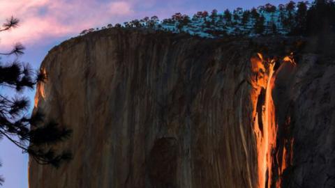 Yosemite Lava Falls Wallpaper Une Chute D Eau Se Change En Quot Cascade De Feu Quot Dans Le Parc