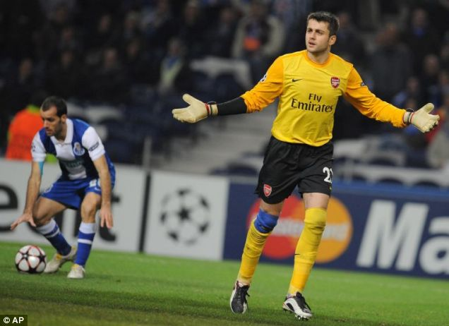 Lukasz Fabiansk during Arsenal's game against FC Porto