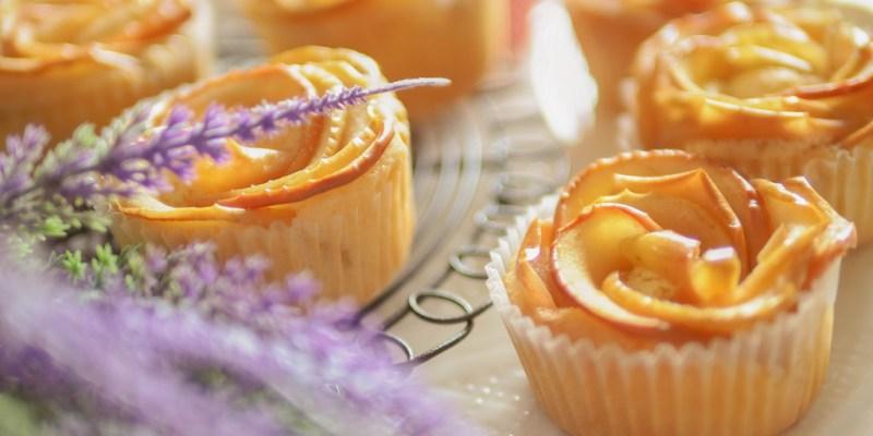 親子烘焙//只要簡單步驟就能華麗上場的<蘋果花蜂蜜杯子蛋糕>孩子放學後的小點心 <1歲以上寶寶副食品>