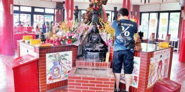新北石門景點   金剛宮 台灣第一座以四面佛為主神奉的廟宇