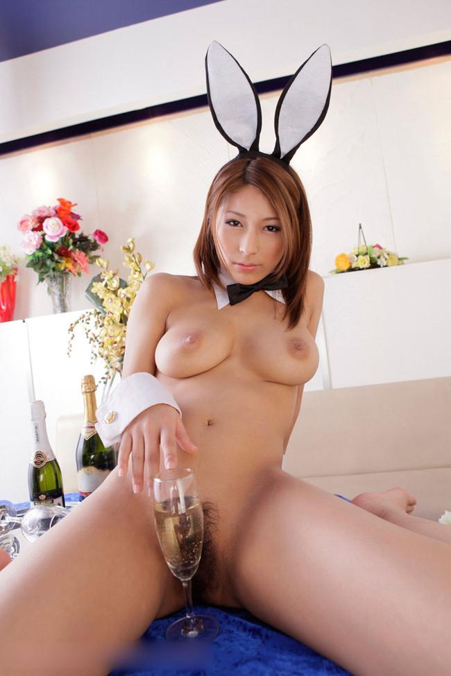 【ヌード画像】アダルトな雰囲気のバニーガール姿みてたらおっきしたw(35枚) 16