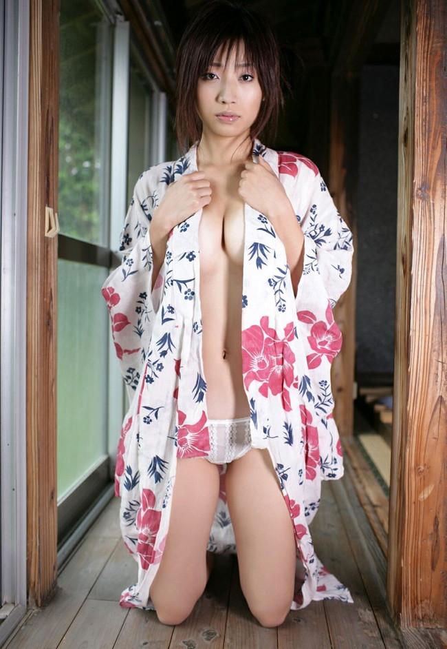 【ヌード画像】浴衣美女の半裸姿がぐうしこw(31枚) 21