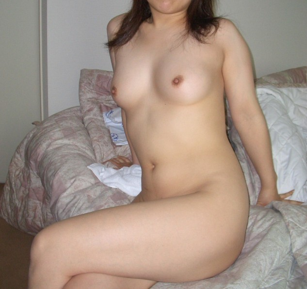 【ヌード画像】ホテルで裸を見せるエッチな女の子たちw(31枚) 04