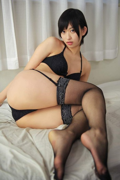 【ヌード画像】尻ドル倉持由香のセクシーセミヌード画像(33枚) 10