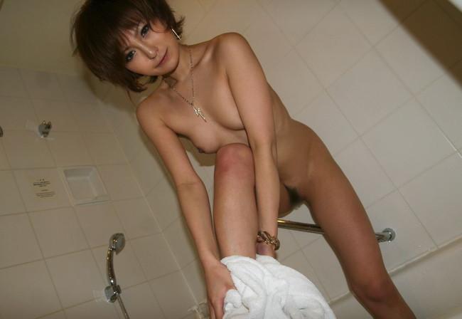 【ヌード画像】女の子の裸にバスタオル姿wこれは勃起不可避w(30枚) 24