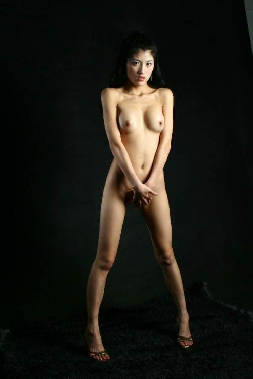 【ヌード画像】手で股間を隠した美女の姿が女神のように美しいw(32枚) 17
