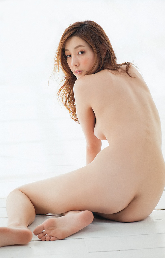 【ヌード画像】綺麗な後ろ姿に憧れる背中フェチたち必見の画像(32枚) 03