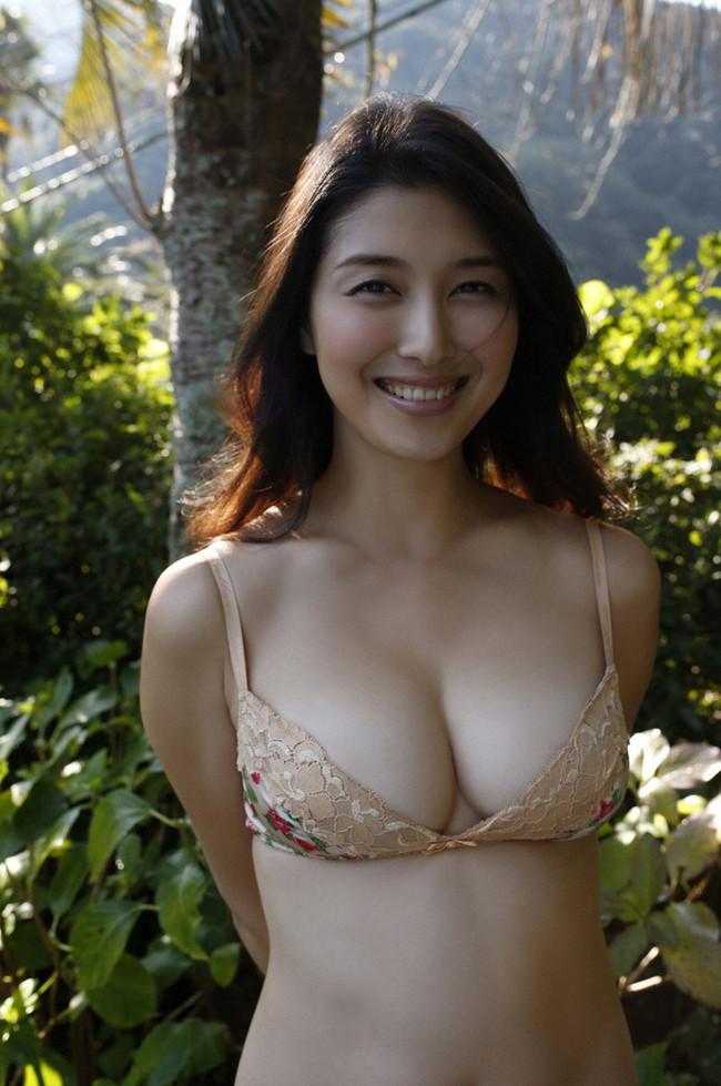 【ヌード画像】愛人にしたい女NO.1!橋本マナミのセミヌード画像(30枚) 05