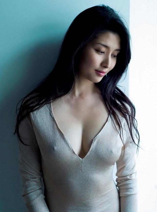 【ヌード画像】愛人にしたい女NO.1!橋本マナミのセミヌード画像(30枚) 27