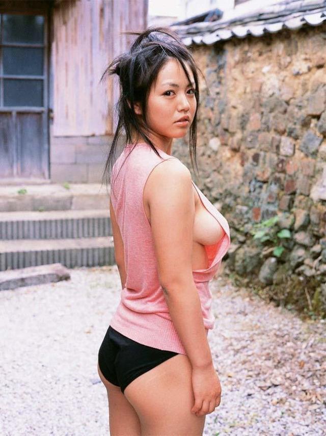 【ヌード画像】タンクトップ美少女の若さあふれる美しさw(30枚) 14