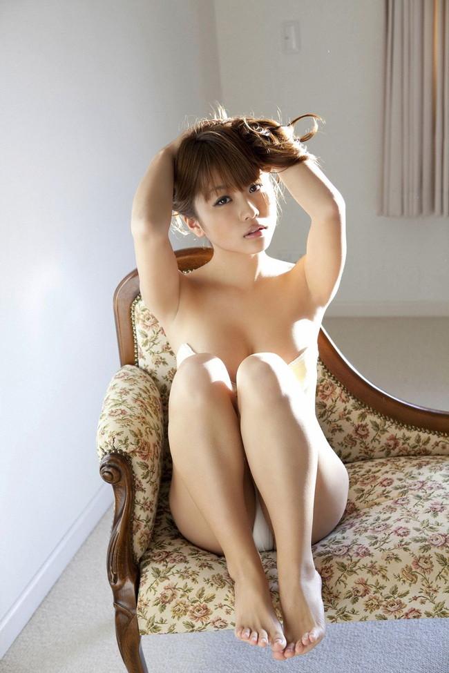 【ヌード画像】西田麻衣さんのセクシーセミヌード姿で幸せな気分になれるw(31枚) 05