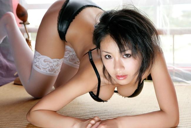 【ヌード画像】美女の谷間に股間の凸を突っ込みたいw(31枚) 22