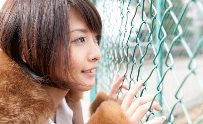 【ヌード画像】夏目優希のスレンダーな裸体が色っぽいw(31枚) 03