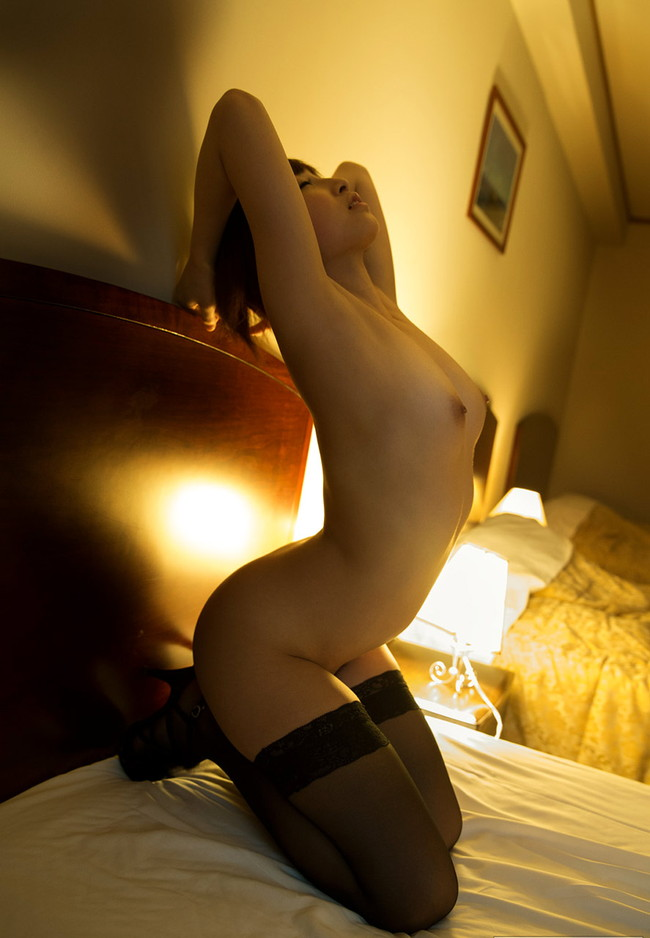 【ヌード画像】きみの歩美の色白ボディなセクシーヌード画像(32枚) 04