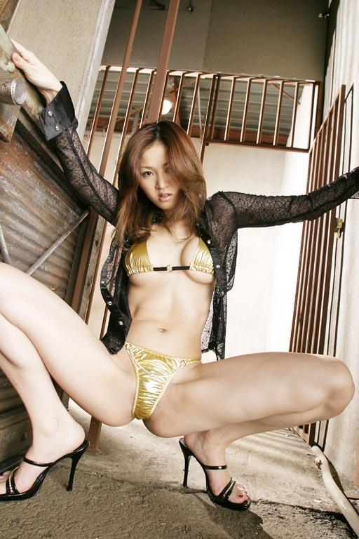 【ヌード画像】下着姿の美女がハイヒールを履いて更にセクシーに!(31枚) 16