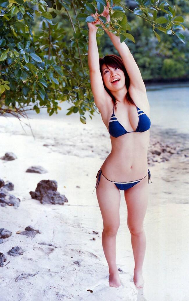 【ヌード画像】フル勃起確実w下着姿や水着姿で腋を見せる女の子w(32枚) 29