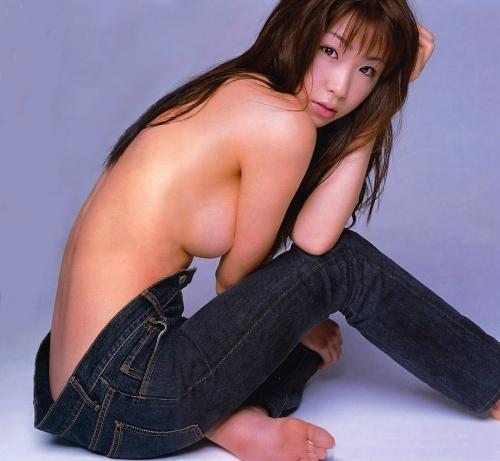 【ヌード画像】ジーンズを履いた上半身裸の美女がエロ美しいw(32枚) 17