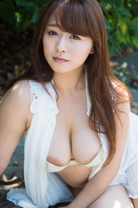 【ヌード画像】白石茉莉奈のぽっちゃり巨乳ヌード画像(32枚) 08