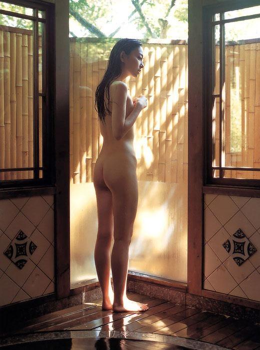 【ヌード画像】綺麗なお姉さんの裸は思わず射精したくなるw(33枚) 04