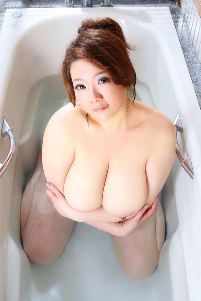 【ヌード画像】ぽっちゃり系女子の肉体は抱き心地よさそうw(32枚) 06