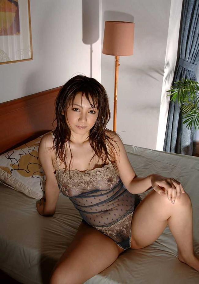 【ヌード画像】透け乳首の卑猥さは異常w(32枚) 07