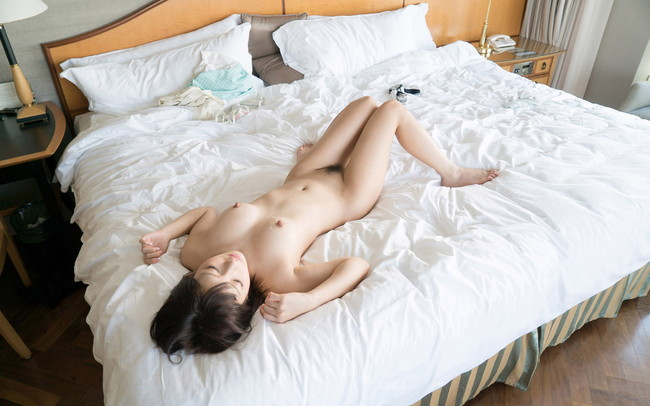 【ヌード画像】麻里梨夏のロリ系美少女ヌード画像(32枚) 10
