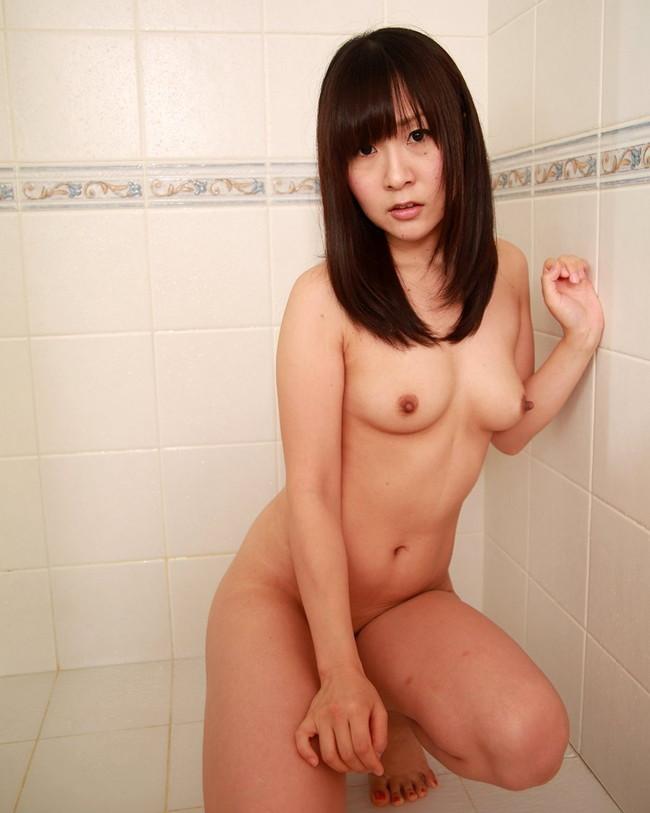 【ヌード画像】生乳を見せる美少女たちがエロいw(30枚) 28