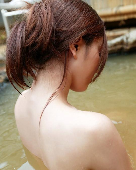 【ヌード画像】うなじがエロい女の子たちの画像(32枚) 04
