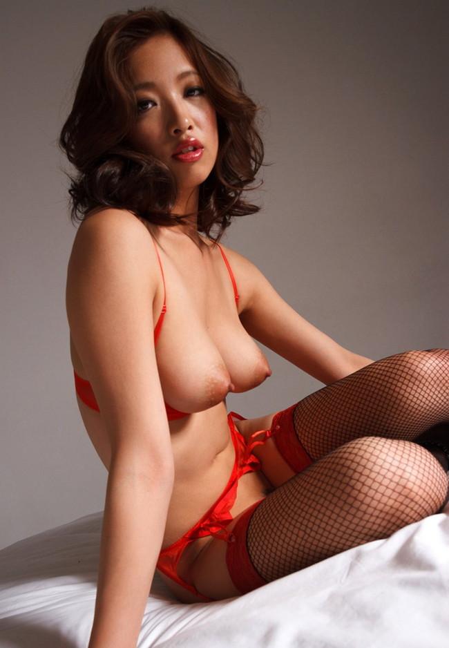 【ヌード画像】美女の赤い下着姿が情熱的すぎw(33枚) 29