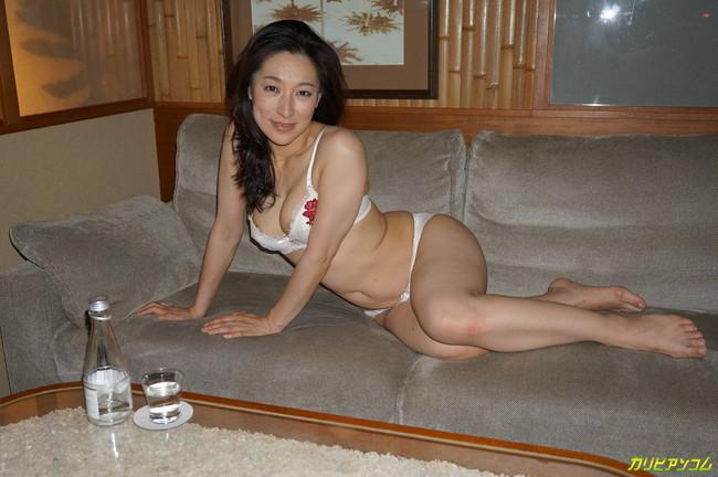 【ヌード画像】松本まりなの妖しく艶めかしい美熟女ヌード画像(33枚) 05