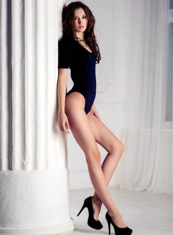 【ヌード画像】外国人が見せる美脚のエロさは異常w(30枚) 02