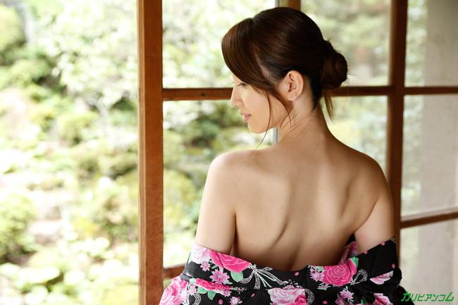 【ヌード画像】葉山瞳の色気のある裸体に大興奮w(30枚) 01