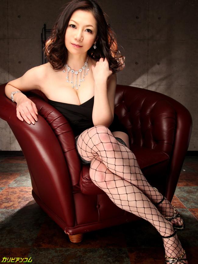 【ヌード画像】浴槽付きの部屋にいるAV女優さんたちにお出迎えされたいw(32枚) 14