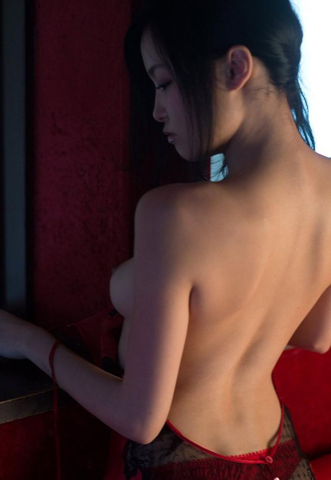 【ヌード画像】柚月あいの美巨乳ボディは陰茎が反応しすぎて困るw(33枚) 03