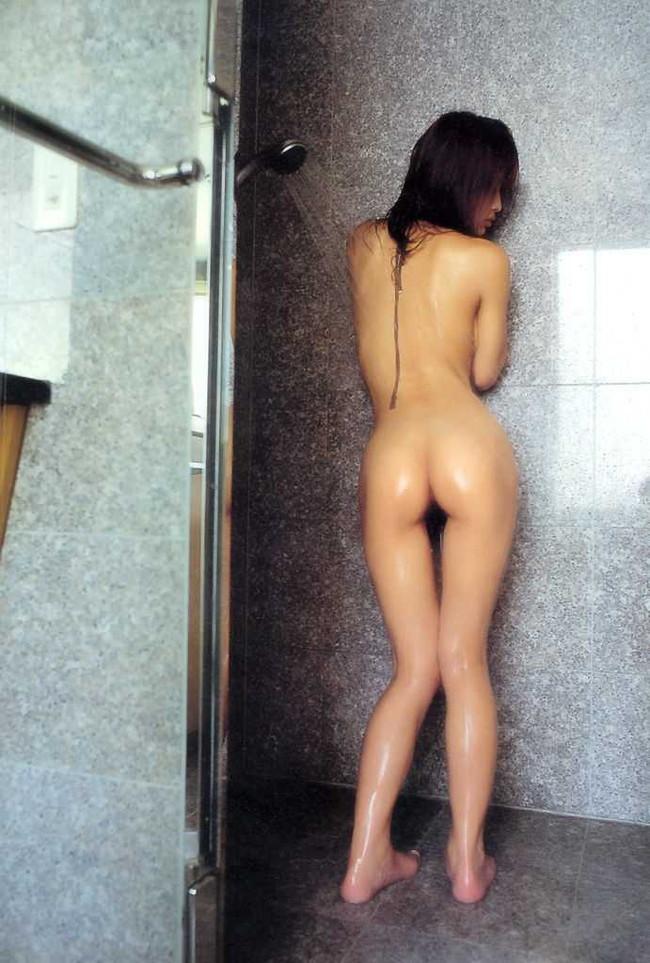 【ヌード画像】美竹涼子の長身スレンダーボディが美しいw(32枚) 17
