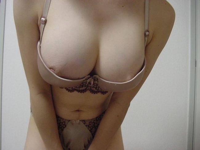 【ヌード画像】下着は地味な方が燃えるという法則にうなずかない人はいない。地味なブラやパンティーを履いた娘のエロ画像集(50枚) 50