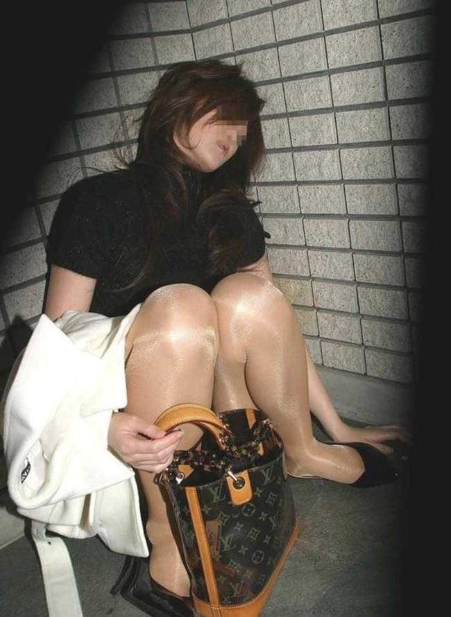 【ヌード画像】泥酔女の露出はリアルすぎてエロすぎる!アルコールのチカラを改めて感じる泥酔女性のエロ画像集!(50枚) 36